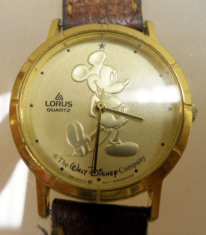 MICKEY MOUSE Watch Goldtone Face The Walt Disney Company, WOW
