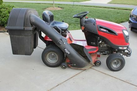 Craftsman Yts3000 Lawn Tractor With Grass Catcher For Sale